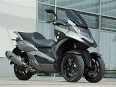 motorrad mit 3 räder quadro qv 3 dreirad scooter im fahrbericht adac