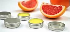 lippenpflege kakaobutter selber machen lippenbalsam selber machen schnellrezept mit nat 252 rlichen