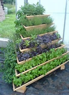 diyhowto diy vertical pyramid tower garden planter 08