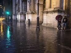 Malvorlagen Unterwasser Tiere Rom Schwere Unwetter Legten Rom Unter Wasser Wetter De