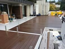 rivestimenti per terrazzi esterni rivestimento in legno per gradini soriano pavimenti in legno