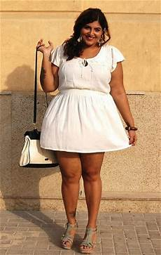 Für Mollige - breaking all the plus size can wear all white