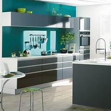 quelle couleur de mur pour une cuisine grise nos id 233 es
