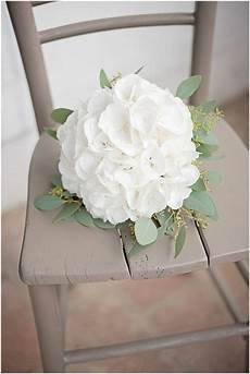 Brautstrauß Mit Hortensien - rustikale diy hochzeit candid moments hydrangea idea