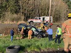 hwy 30 closed victims airlifted from crash on hwy 30 one lane closed koin com