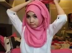 Cara Memakai Jilbab Ala Arab Cantik