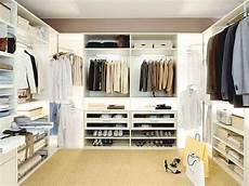 Begehbarer Kleiderschrank Kleidung Kleider Mode