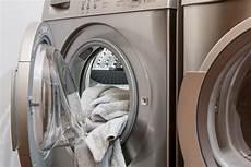 waschmaschine stinkt was tun hausmittel tipps