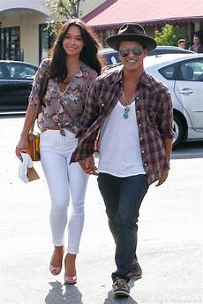 bruno mars freundin pictures of bruno mars and his caban