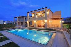 Villa For 12 Next To The Sea And All Amenities In