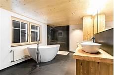 Badezimmer Umbau Mit Freistehender Badewanne Forrerbau Ag