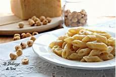 pasta di nocciole bimby pasta con pesto di nocciole ricetta con bimby e senza facile e veloce