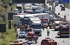 aktueller verkehr a8 zu einem schweren unfall ist es auf der autobahn a8