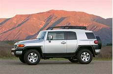 how things work cars 2008 toyota fj cruiser transmission control 2007 14 toyota fj cruiser consumer guide auto