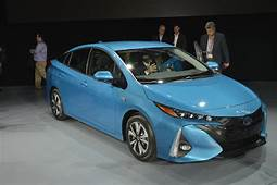 2017 Toyota Prius Prime Plug In Hybrid Promises 22 Miles