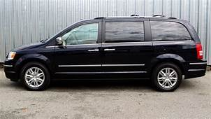 2010 Chrysler Town & Country Limited Review