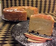 ciambellone con crema pasticcera ciambellone con crema pasticcera alla mela ricetta ciambellone ricette idee alimentari