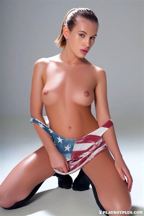 Xena Nude Model