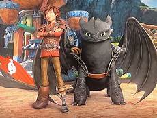hiccup and toothless race to the edge read http