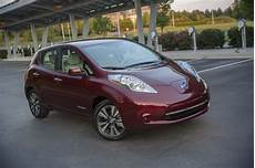 2016 nissan leaf review 2016 nissan leaf offers 107 mile range with 30 kwh battery