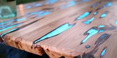 Holzrisse Füllen Harz - glow in the table will make you want to get your diy