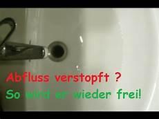 hausmittel abfluss reinigen verstopften abfluss reinigen mit hausmittel freimachen