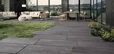 rivestimenti per terrazzi esterni pavimenti per esterni in gres per giardini terrazzi e