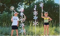 Windräder Basteln Für Draussen - windrad aus pet flasche windrad basteln plastikflaschen
