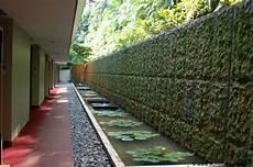 vasche d acqua siloso resort un percorso scavato nella collina