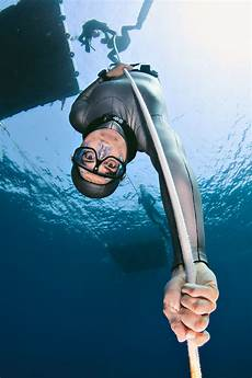 free divers are rewriting the physiology of the underwater