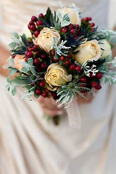 best winter wedding flowers trends for the cold