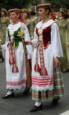 traditional lithuanian traditional traditional outfits costumes around the world
