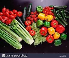 gewächshaus gurken und tomaten fr 252 chte gem 252 se erdbeeren kirschen frisch roma