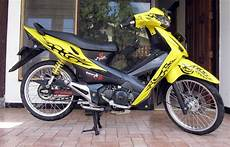 Modifikasi Motor Revo 2007 by Gambar Modifikasi Stiker Motor Revo Fit Modif Sticker