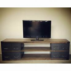 meuble tv atelier meuble tv sur mesure en acier et bois style industriel fabriqu 233 224 l atelier en 233 pic 233 a et ancien