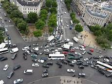 arc de triomph help save my city from the of traffic citiesskylines