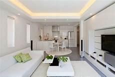 Wohnzimmer Decken Ideen - moderne zen k 252 che wohnzimmer wei 223 abgeh 228 ngte decke