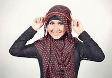 Tutorial Memakai Jilbab Pashmina Dengan Headband Terbaru