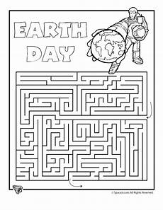 day worksheets printables 20472 earth day printable mazes earth day maze 1 classroom jr earth day earth day activities