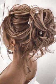Medievil Style Wedding Shoulder Length Hair Looks