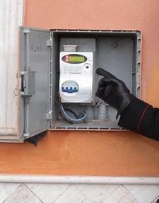 cassette contatori enel galatina denunciata una donna per di energia elettrica