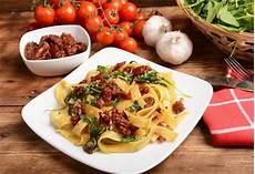 Rezepte Mit Getrockneten Tomaten - pasta mit getrockneten tomaten und rucola rezept