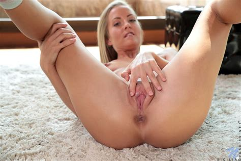 Jessi M Bengue Nude