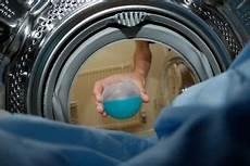 hausmittel gegen stinkenden abfluss waschmaschine stinkt was tun was hilft