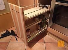 küche mit apothekerschrank jeder k 227 188 che mach k 227 188 chentheke the office