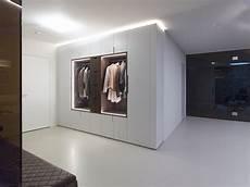 garderobenschrank design garderobenschrank mit massivholz kontrast element und