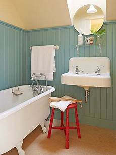 Badezimmer Landhaus Style - peek inside this colorful new hshire farmhouse filled