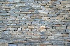 steinmauer selber machen trockenmauer bauanleitung zum selber bauen
