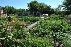 éclairage de jardin jardins familiaux site officiel de la ville de tours