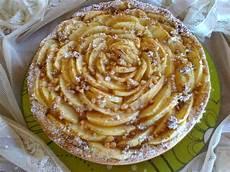 Mele In Crema Pasticcera E Cioccolato Bianco Il Giardino Delle Delizie | il mondo di rina crostata di mele con crema pasticcera